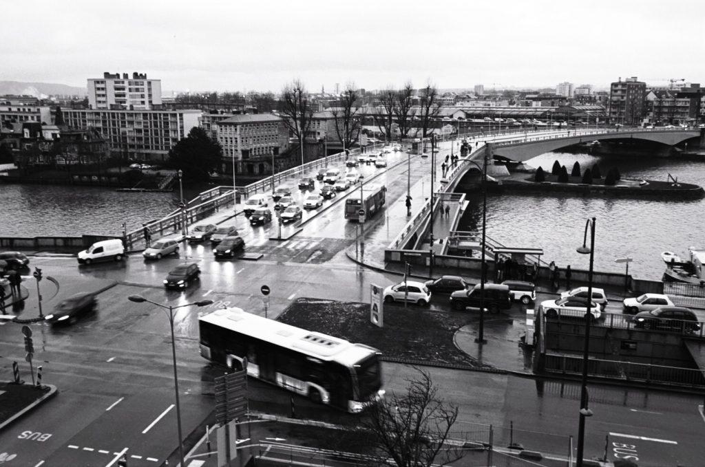 Un pont qui enjambe la Seine à Rouen