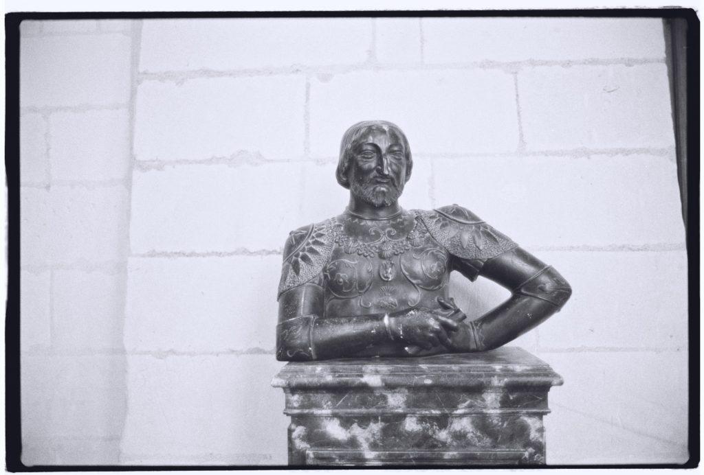 Une sculpture portrait de françois 1er
