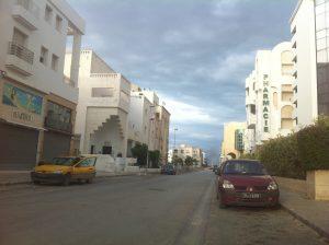 Dans les rues de Tunis, la plus grande ville de Tunisie