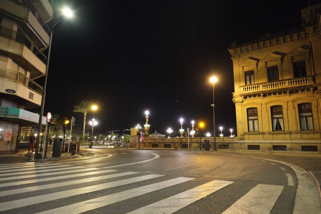 San Sebastian Donostia la nuit - avenida de la Libertad