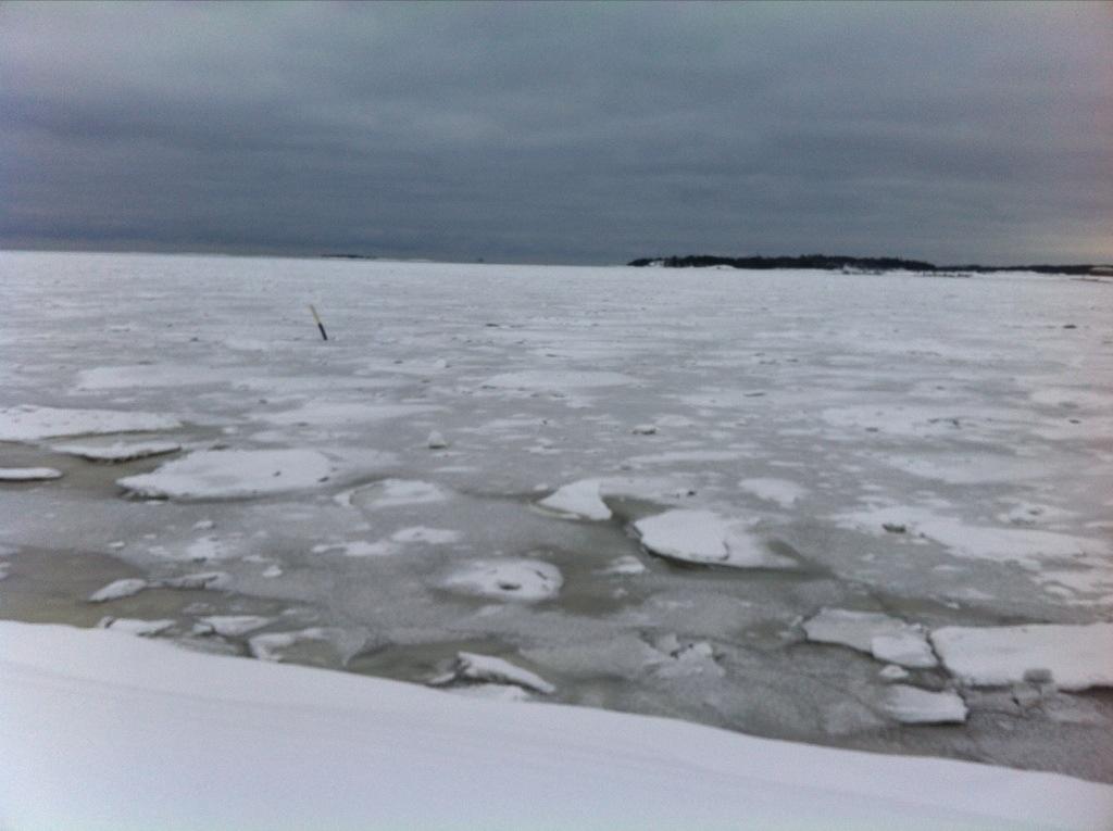 La mer gelée pendant l'hiver