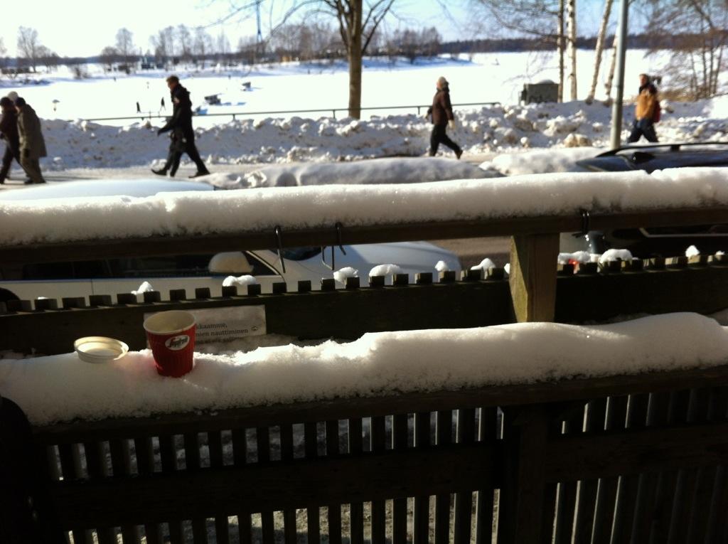 Vue sur le golfe d'Helsinki complètement gelé