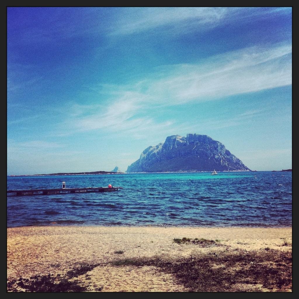 une île posée à quelques encablures de la Sardaigne, l'île oubliée