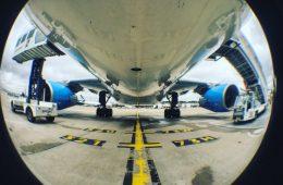 Sous la carlingue d'un Airbus d'XL Airways