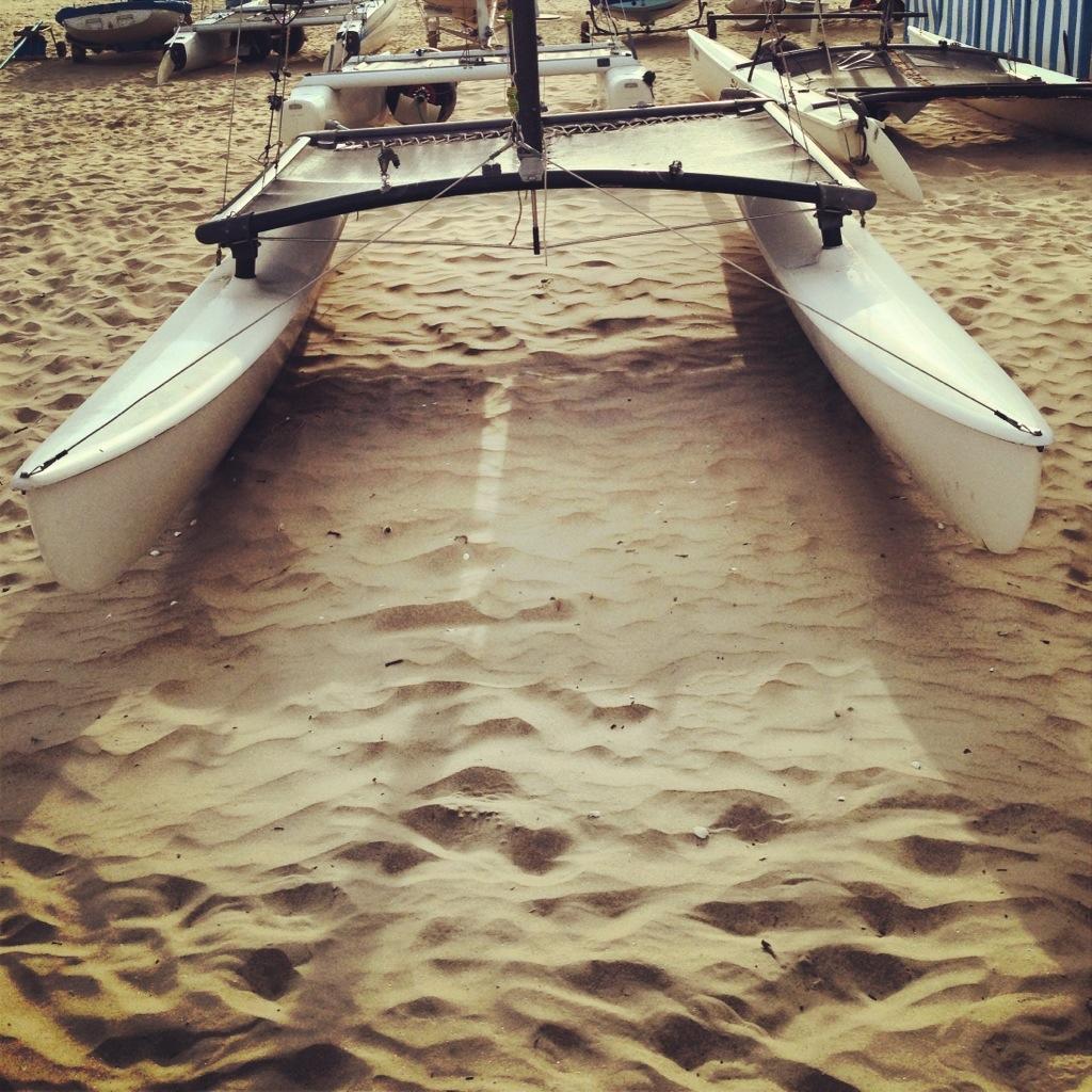 Un catamaran de plage en fin de journée - HC 16