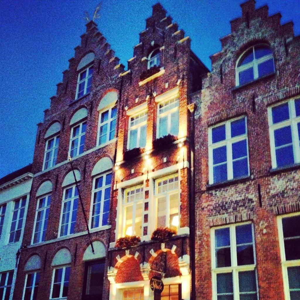 Bruges et l'heure bleue