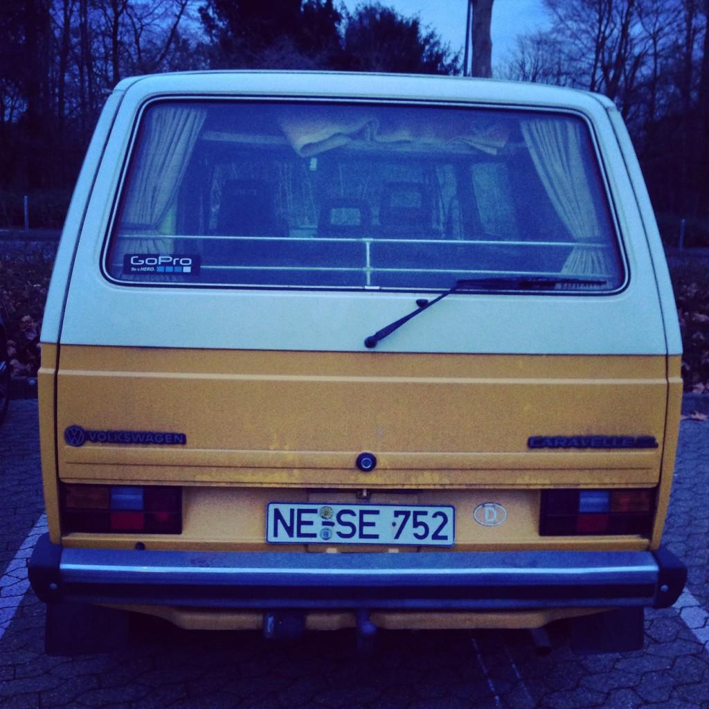 Van Volkswagen bicolore à Dusseldorf
