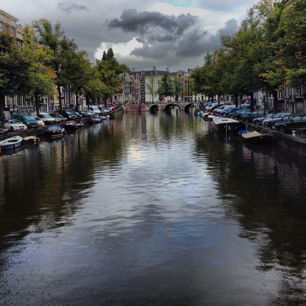 Amsterdam sous les nuages