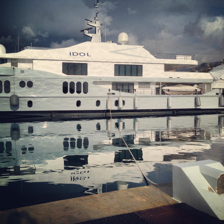 le plus grand yacht de Portosole