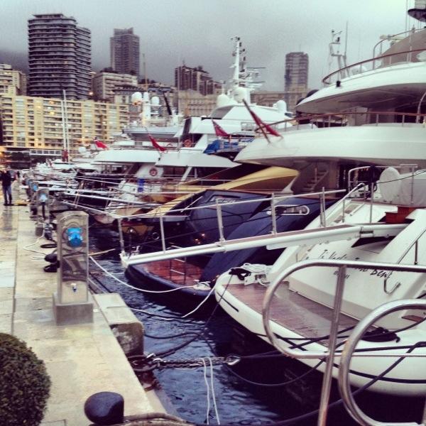 Le port de Monaco au crépuscule