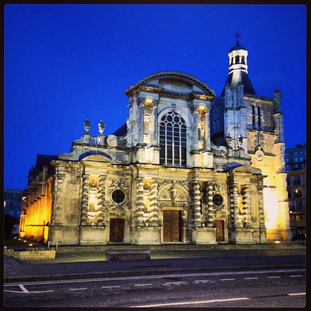 La belle cathédrale du Havre, l'un des rares monuments qui n'a pas été détruit pendant la 2nde guerre mondiale
