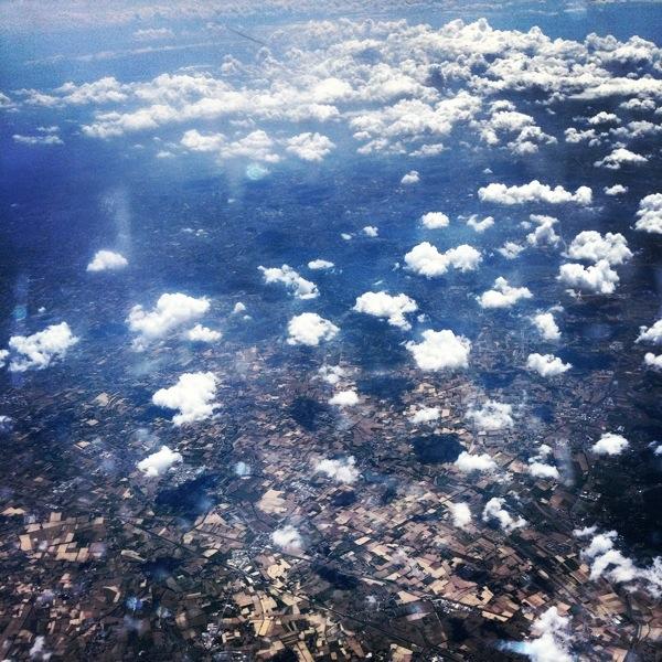 des îles et des terres vues du ciel