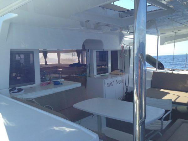 L'arrière du catamaran Lagoon 450
