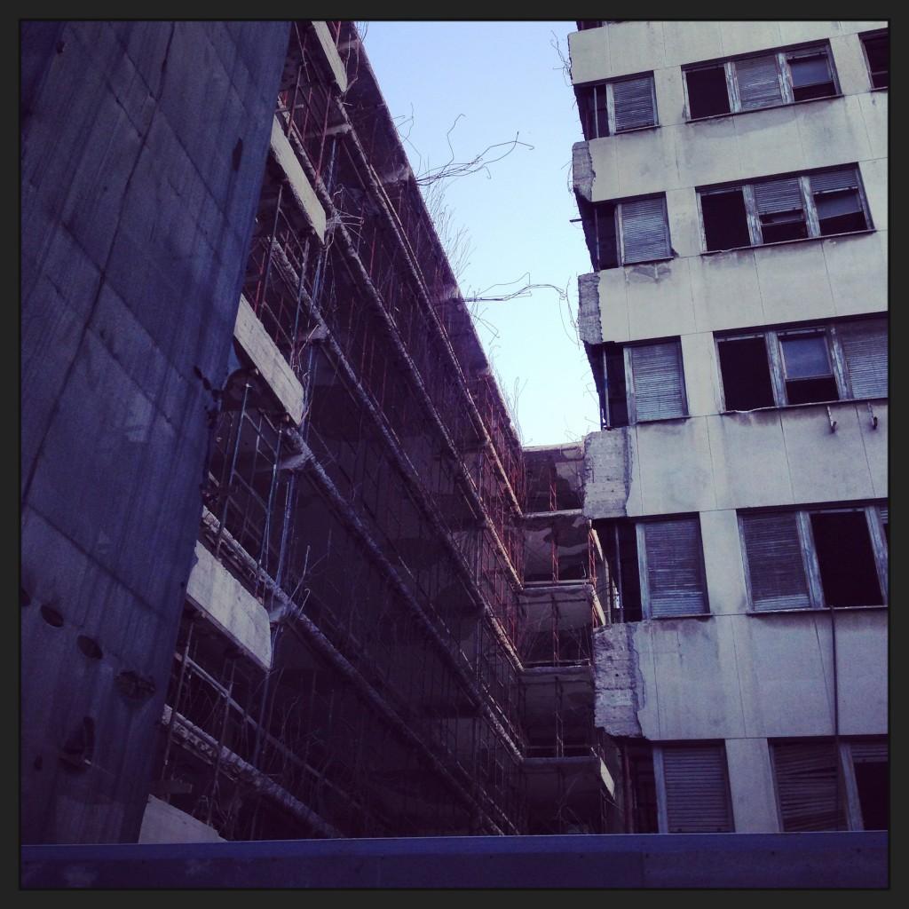 Des constructions laissées à l'abandon à Athènes