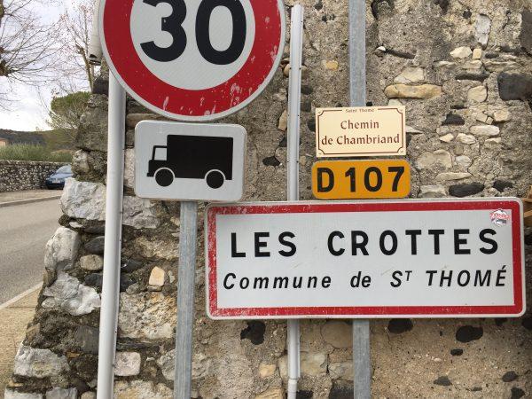 Un nom de ville insolite en Ardèche les Crottes