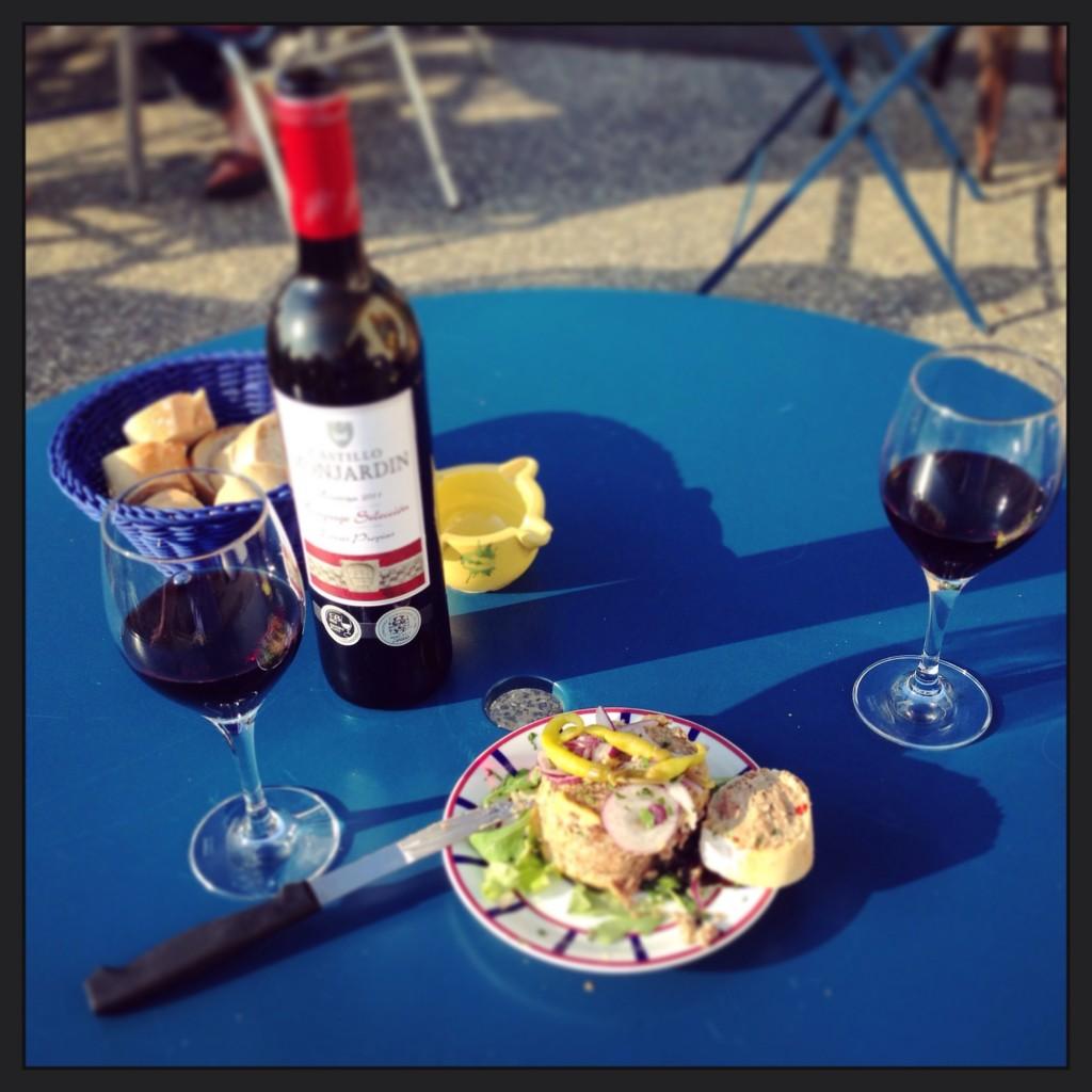 Forfait apéro au pays Basque, vin espagnol et pâté basque