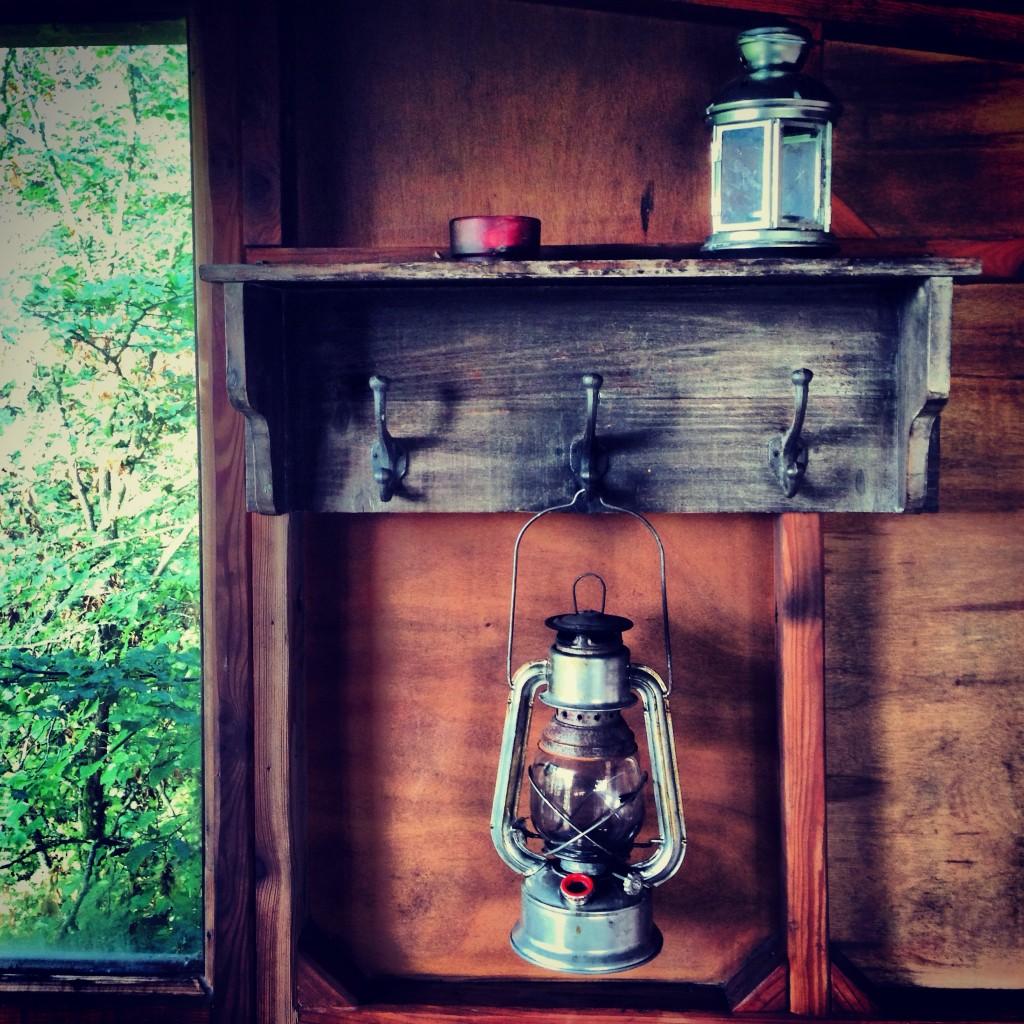 Décoration efficace dans une cabane perchée