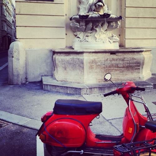 Vespamania, fou de scooter italien