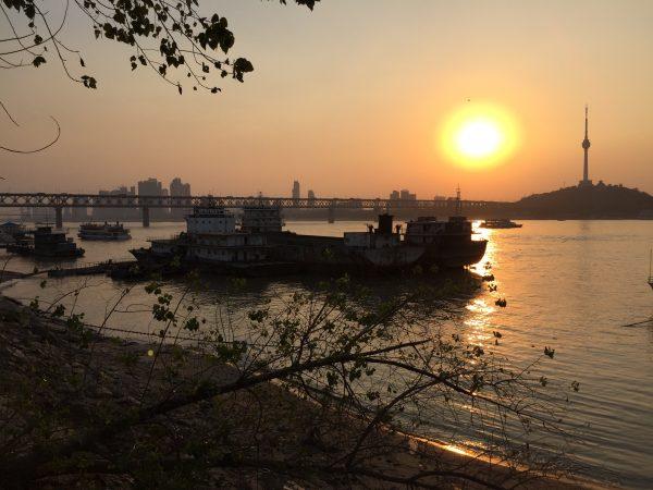 Sur les bords du Yang Tsé Kiang à Wuhan en Chine