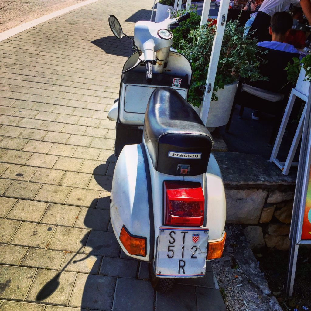 Vespa sous immatriculé en Croatie