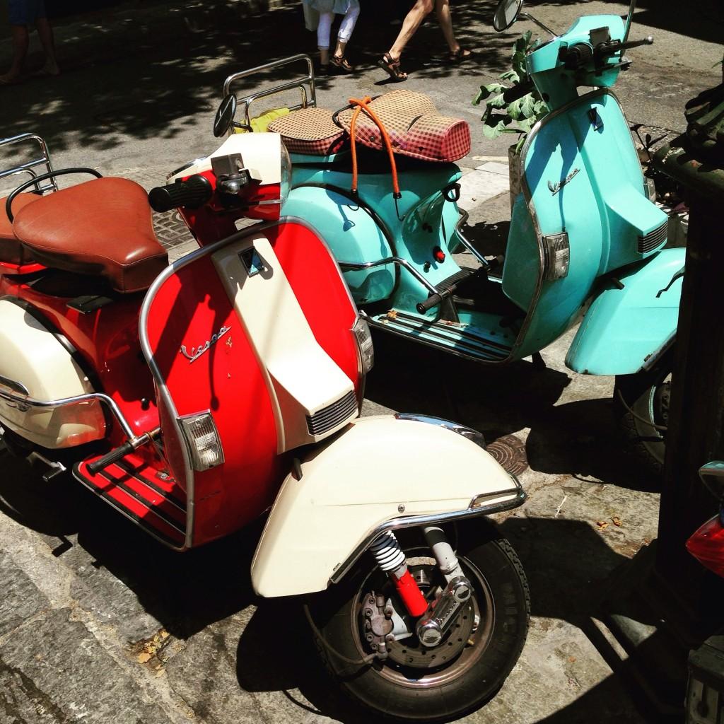 Vespa, le design italien au service des 2 roues, Athènes