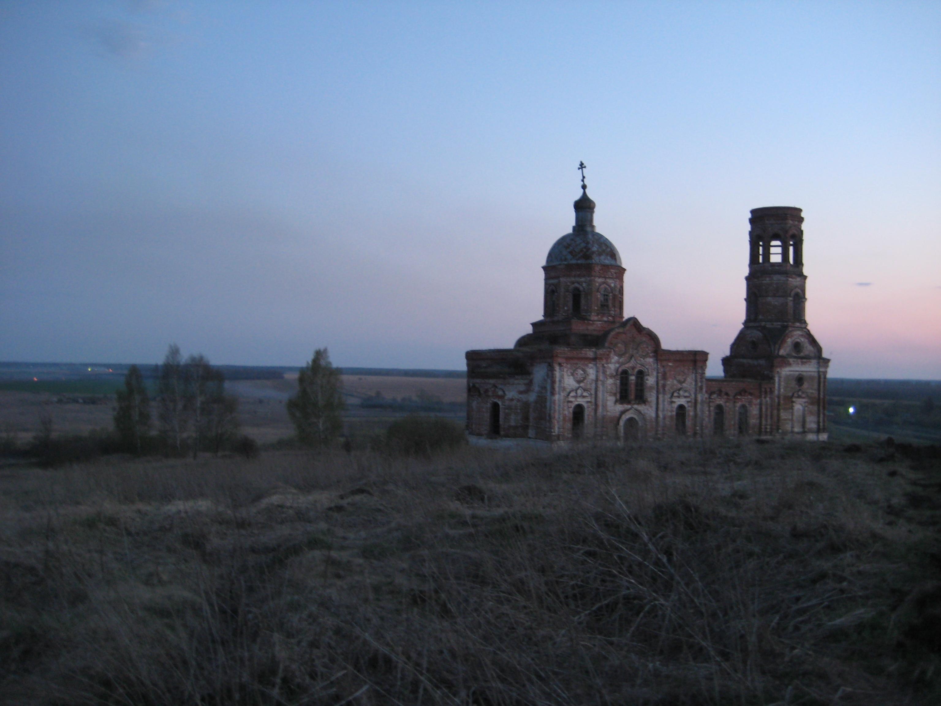 Une église russe, Région de la Volga