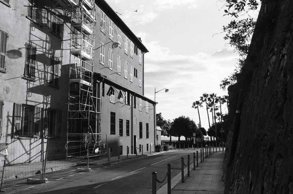 Une petite rue du port de Nice