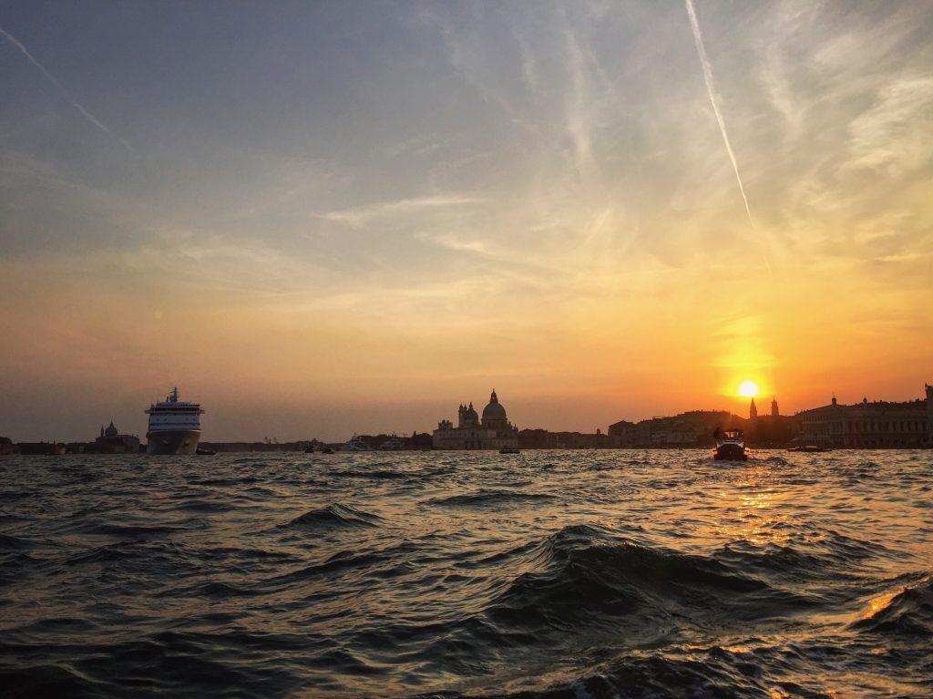 Coucher de soleil sur la lagune de Venise