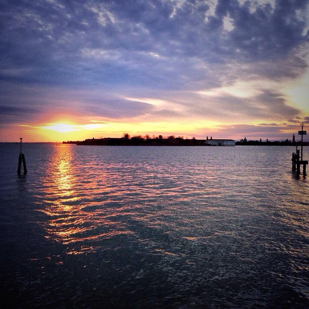 Coucher du soleil sur la lagune à Venise