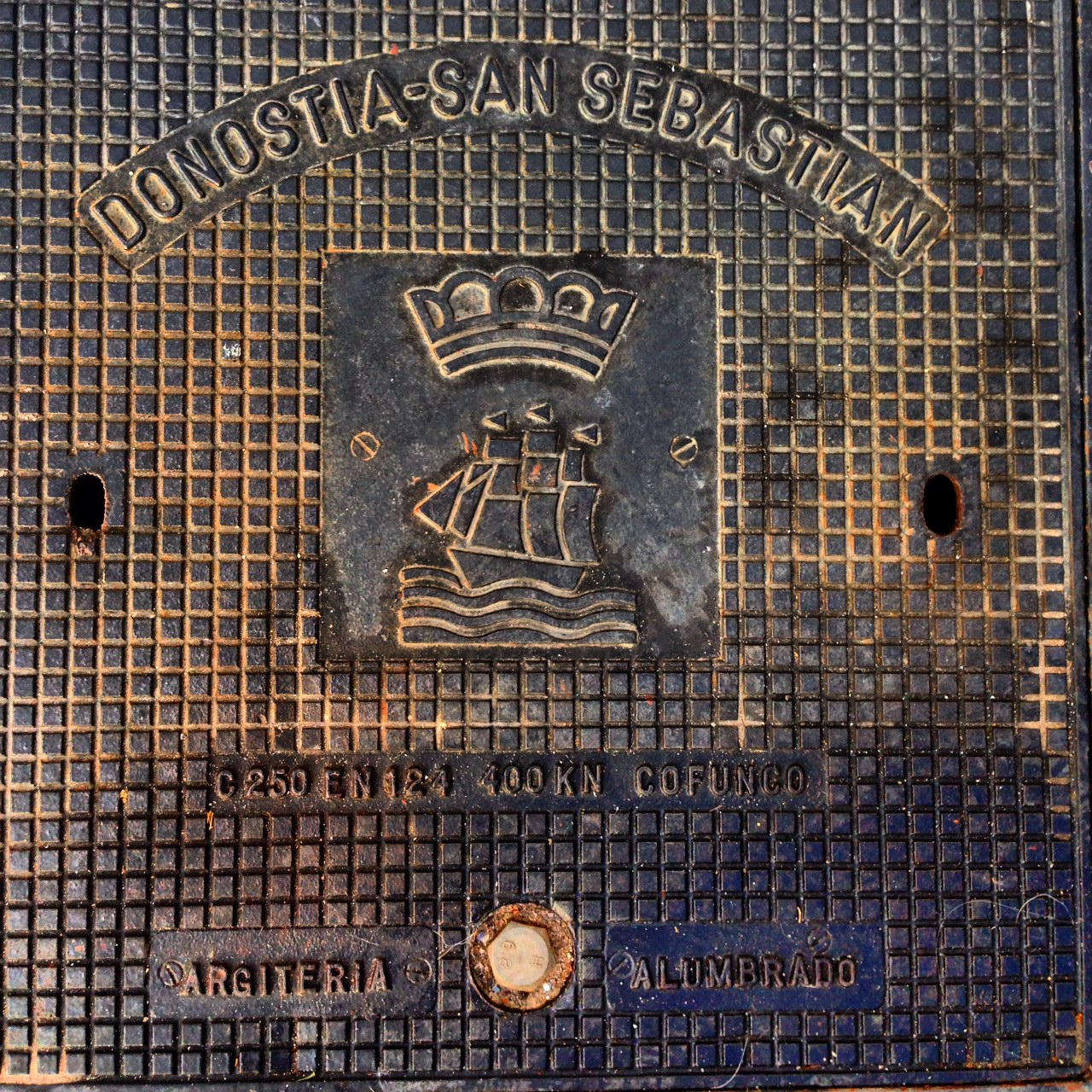 Plaque d'égout San Sebastian
