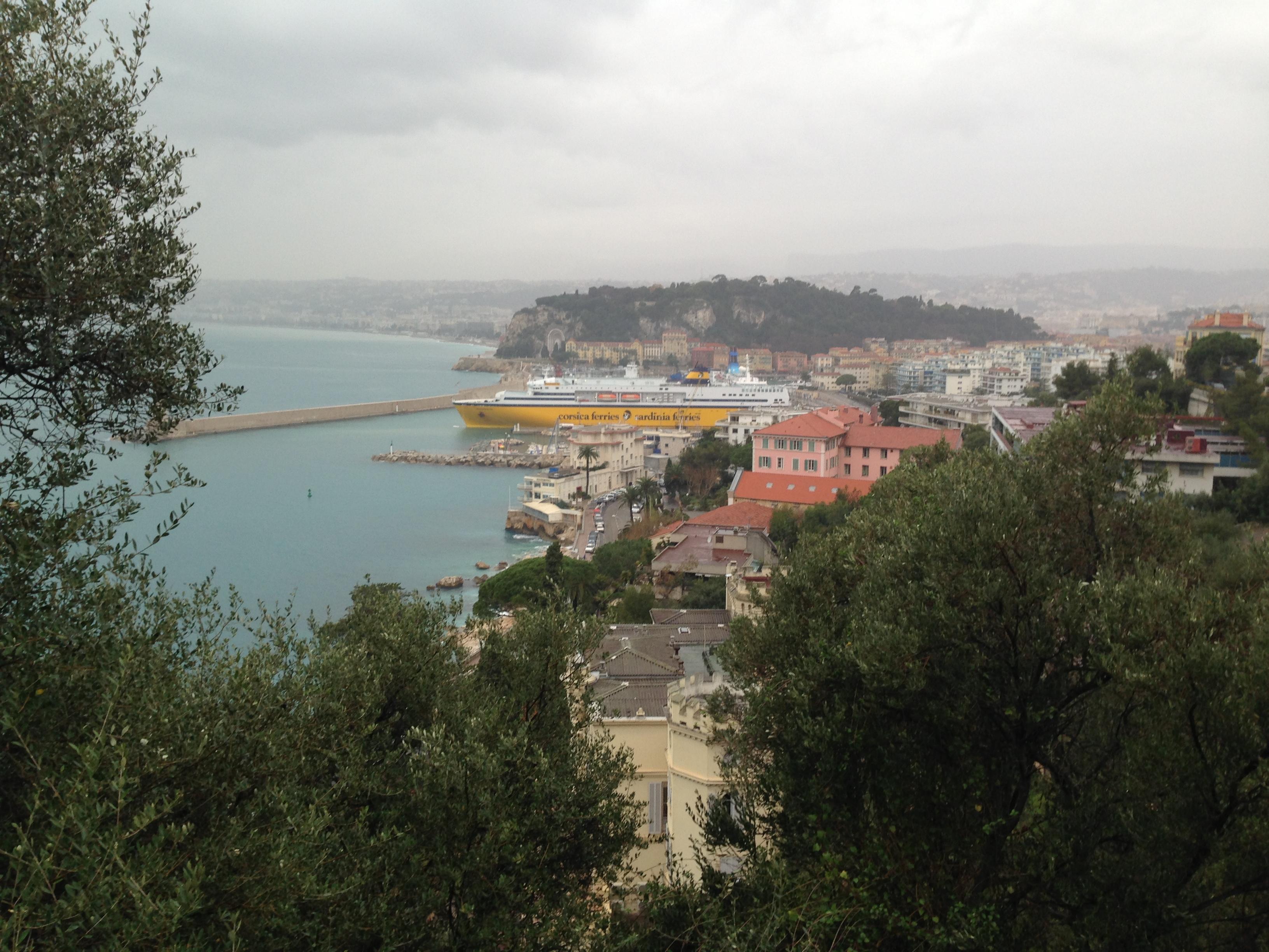 Vue sur le port de Nice