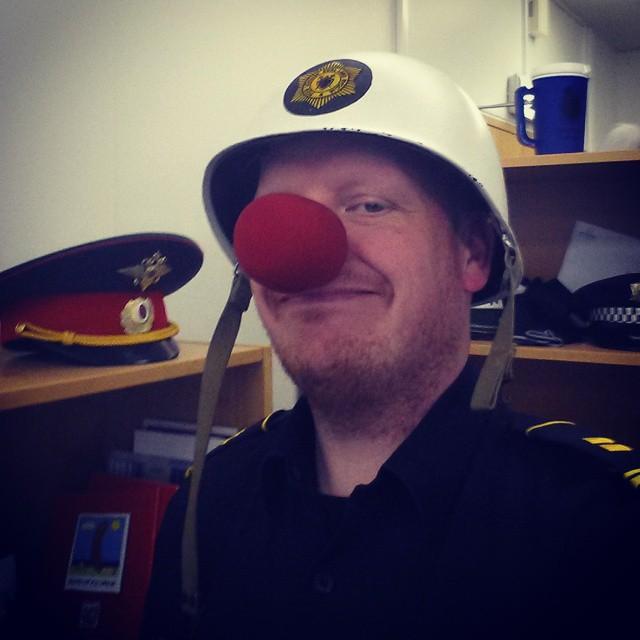Nez de clown pour un policier Islandais