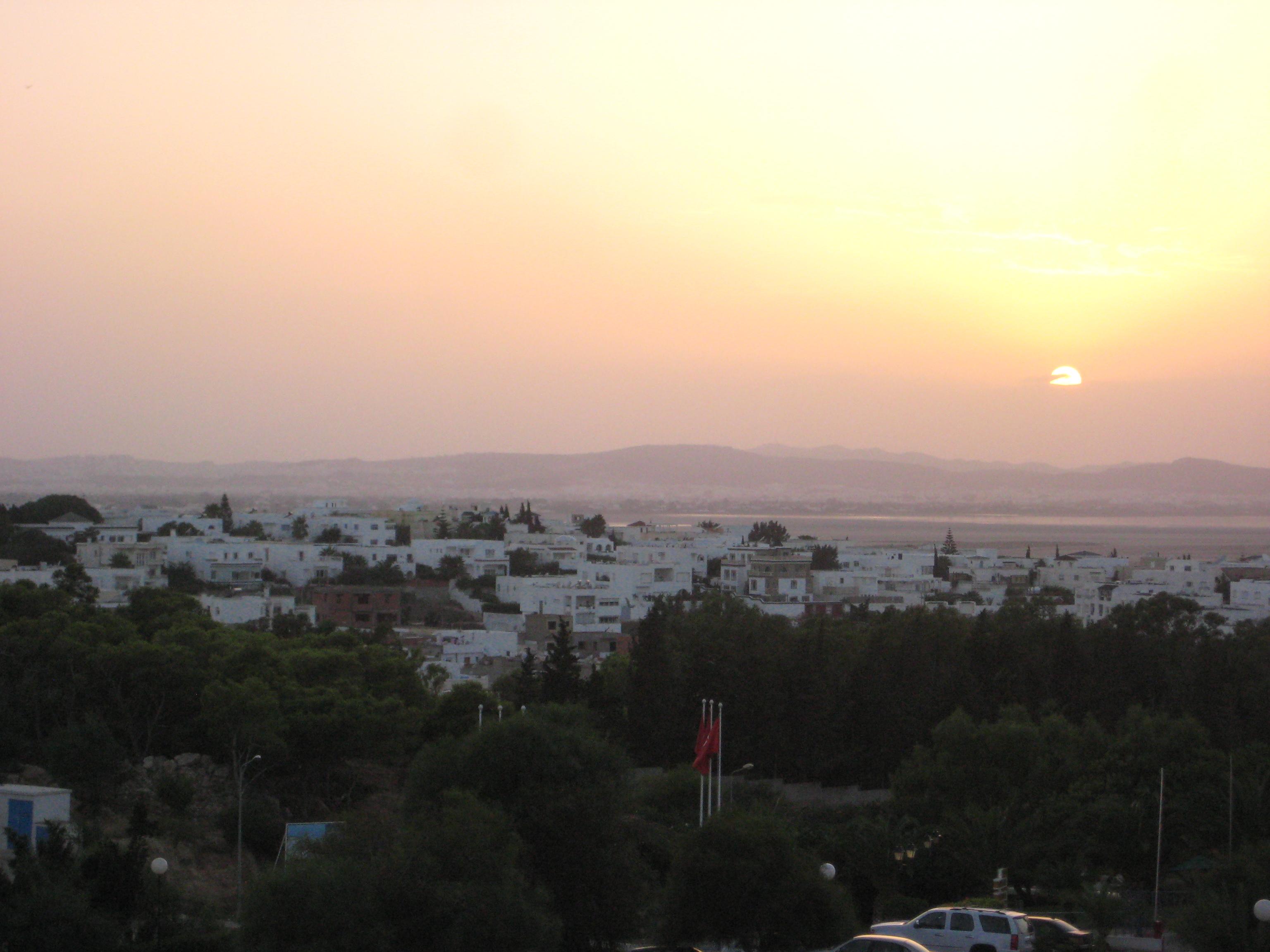 Un coucher de soleil sur Tunis