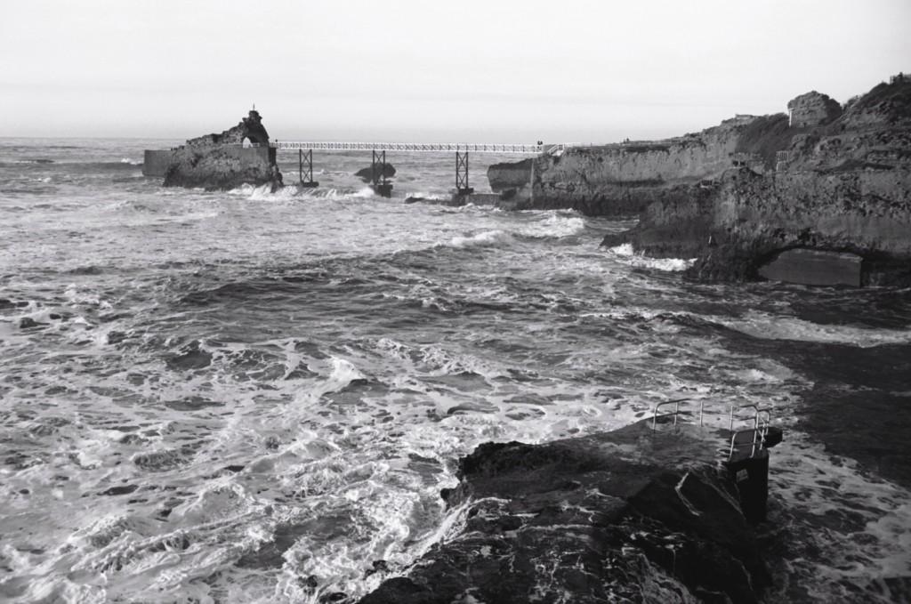 Le rocher de la vierge Biarritz escaledenuit.com