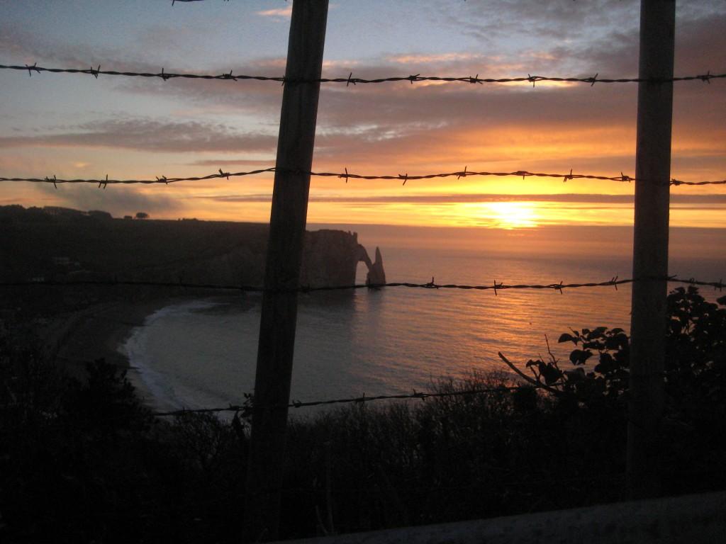 Un coucher de soleil inoubliable sur la côte normande
