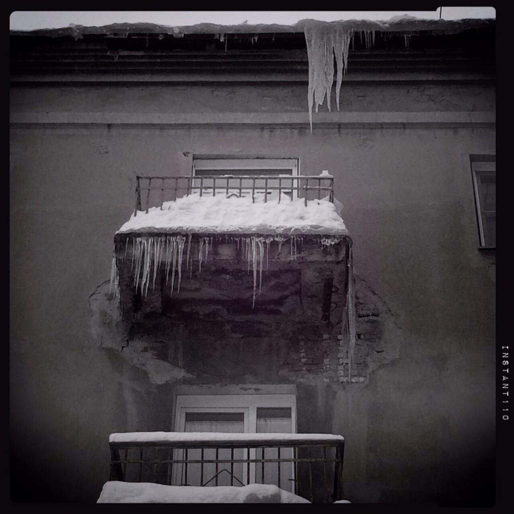 Un balcon enneigé