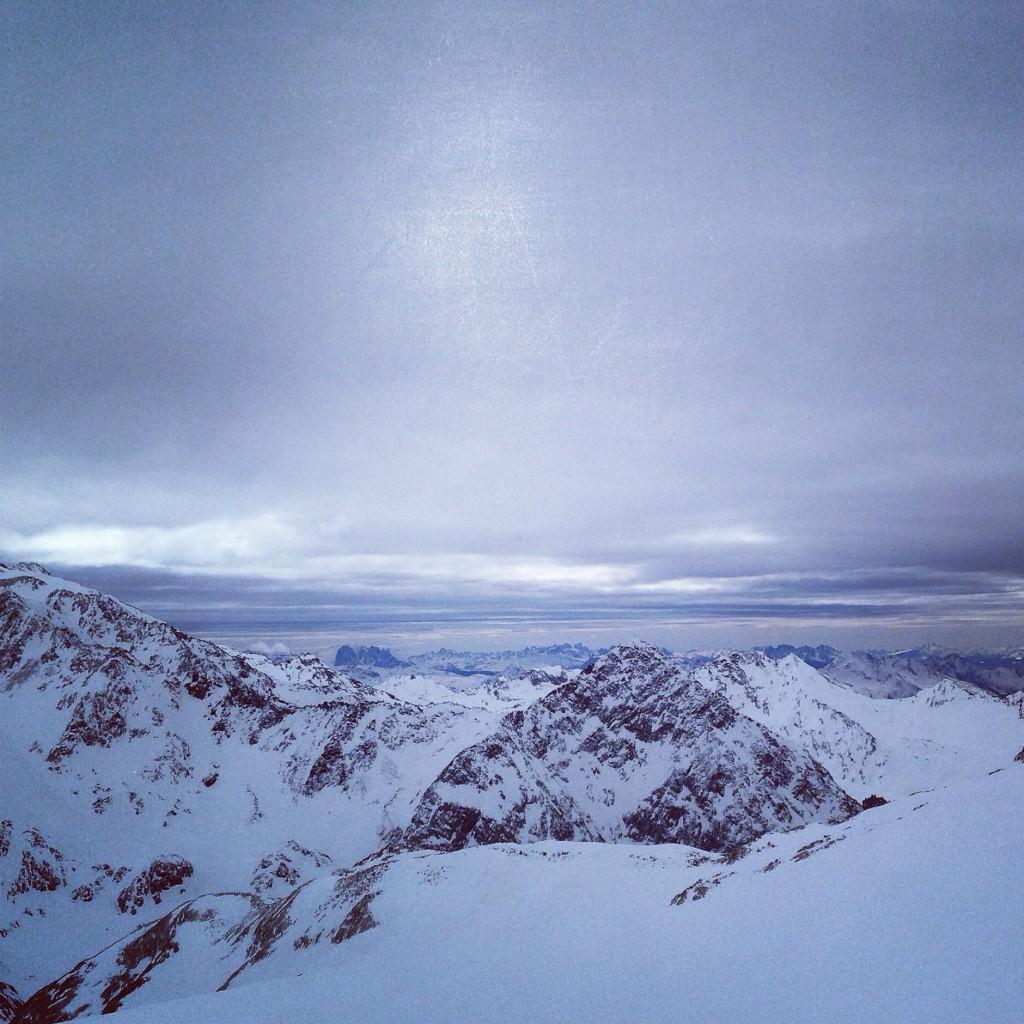 Une tempête de neige s'approche du Tyrol