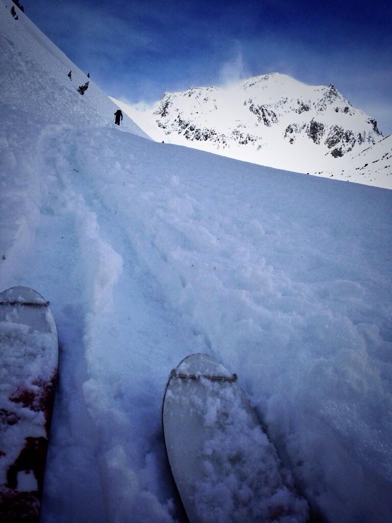 Ski de randonnée en HP dans les Alpes autrichienne autrichiennes, pendant que 100% du domaine skiable reste fermé.