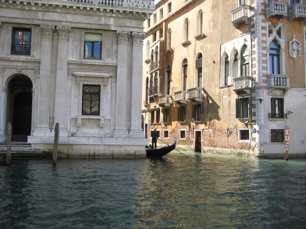 Au détour d'un canal à Venise