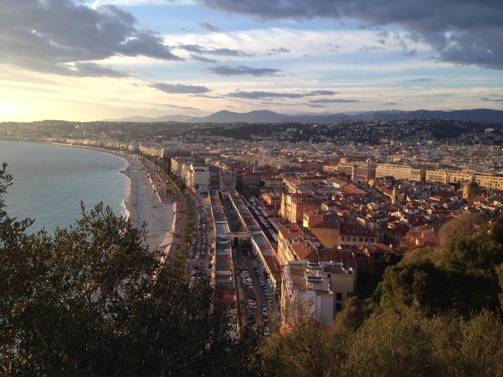 La ville de Nice au coucher du soleil