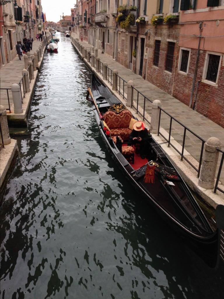 Les eaux sombres de Venise