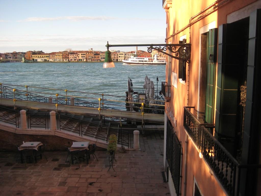 58. Sur les bords du Canal à Venise