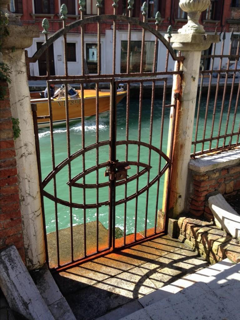 Venise les pieds dans l'eau