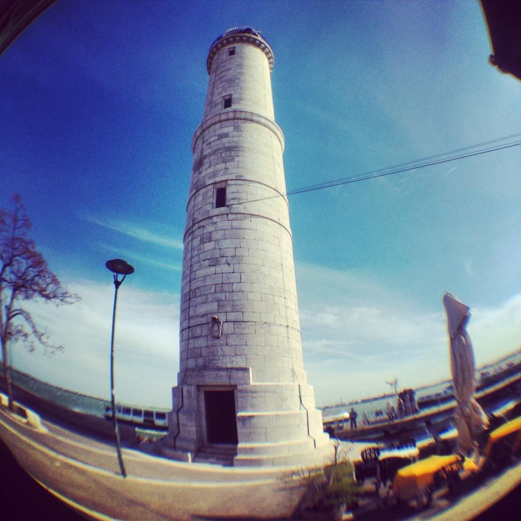 Le phare de la ville de Venise sur l'île de Murano