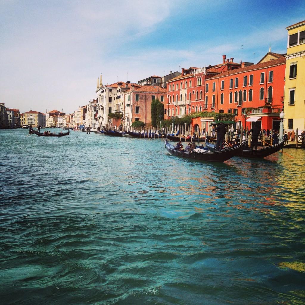 1. Venise une ville multicolore