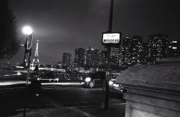 Paris la nuit sur le pont Mirabeau