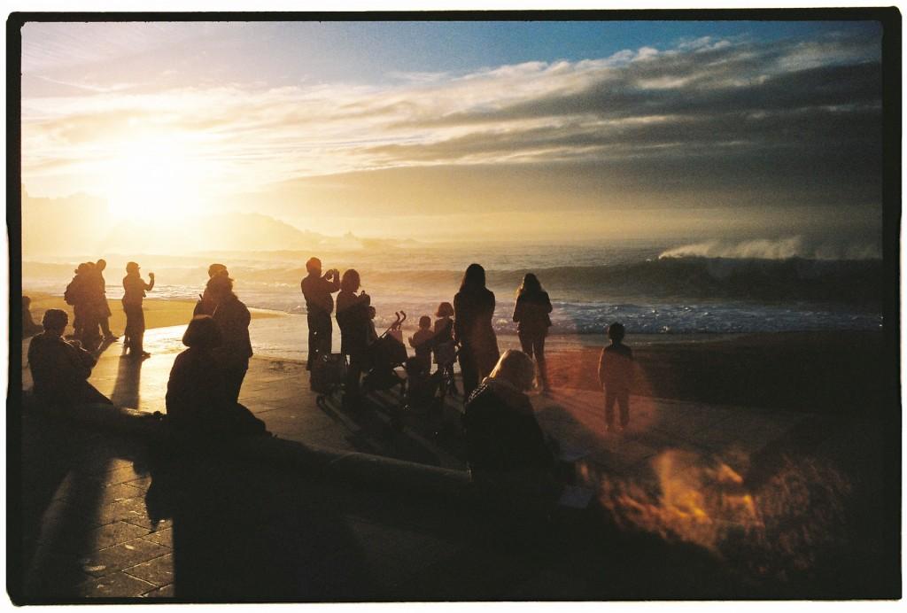 Biarritz au coucher du soleil, la vie est une fête