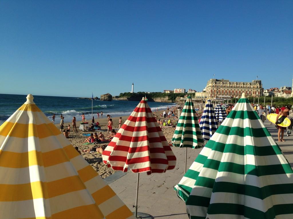 La grande plage de Biarritz au mois d'août