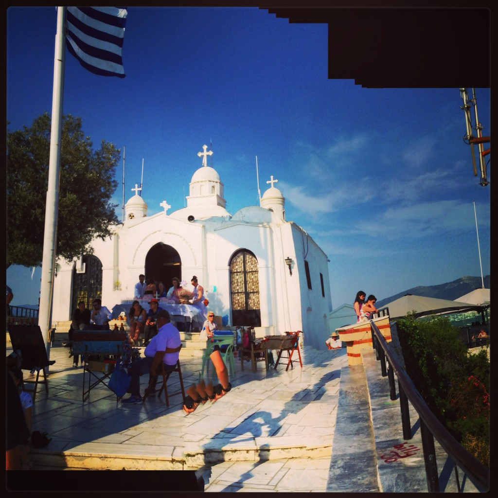 73. Le point culminant de la ville d'Athènes, le sommet de la colline de Lycabette
