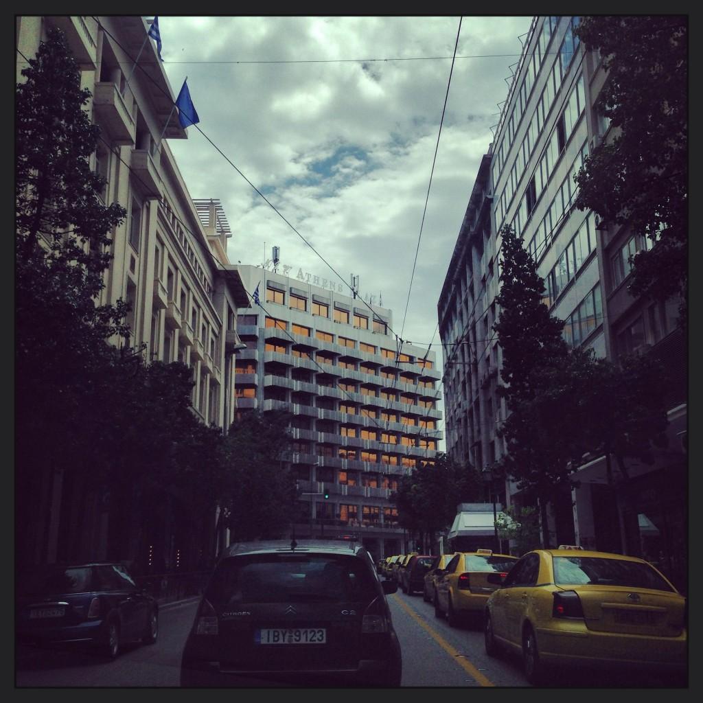 81. La circulation est intense à Athènes